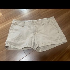 Express chino off white shorts